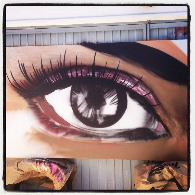 photorealistic-graffiti-eye--street-art-artist-luxury3